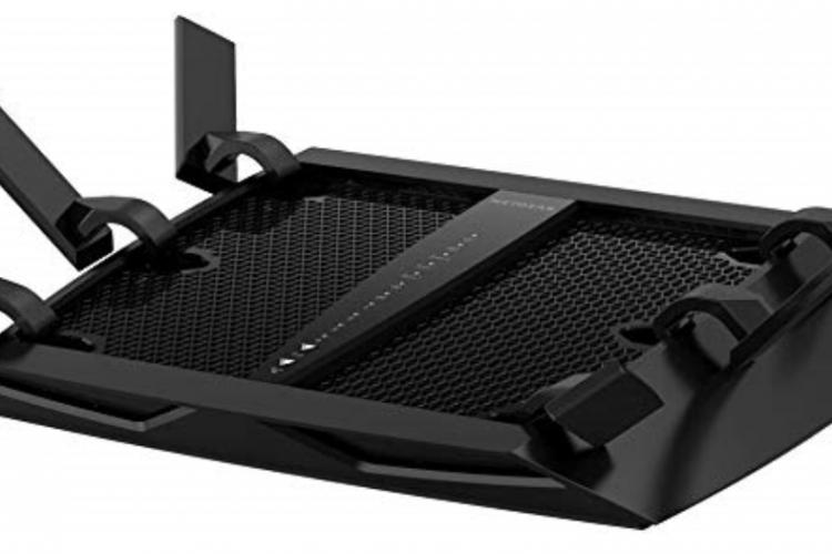 Netgear© Nighthawk™ X6 Tri-Band Wi-Fi Gigabit Router, AC3200